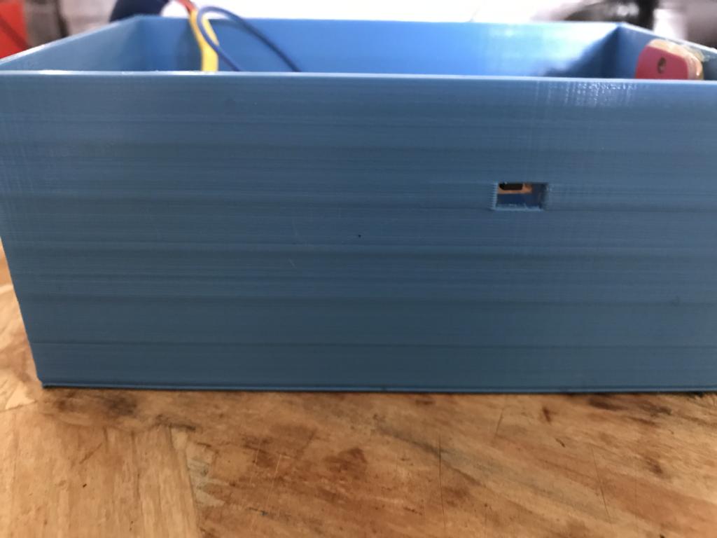 Accès au bouton reset du module Wifi